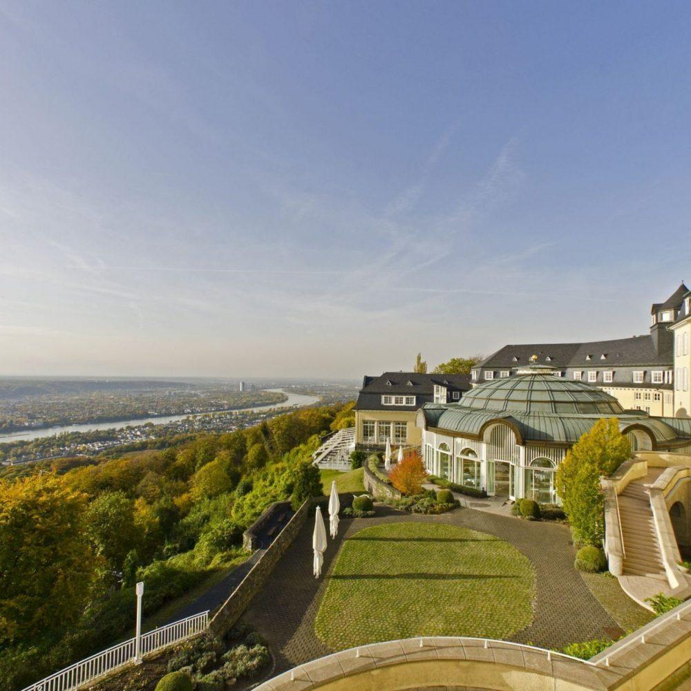 12-03-Steigenberger-Grand-Hotel-Spa-Petersberg-Koenigswinter-Bonn-Hochzeitslocation-2019-44512_SHRGrandhotelPetersberg_exterior_Aussicht_1